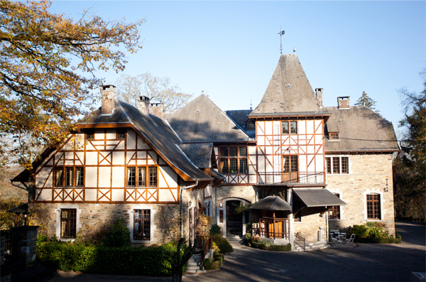 Wedding in the Belgium Ardennes: Chateau Presseux