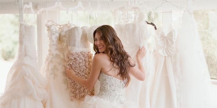 Passen trouwjurken