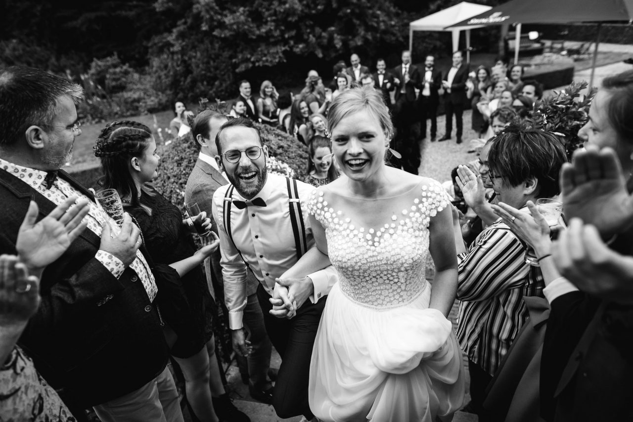 A vibrant and relax wedding in the woods of Rhederoord