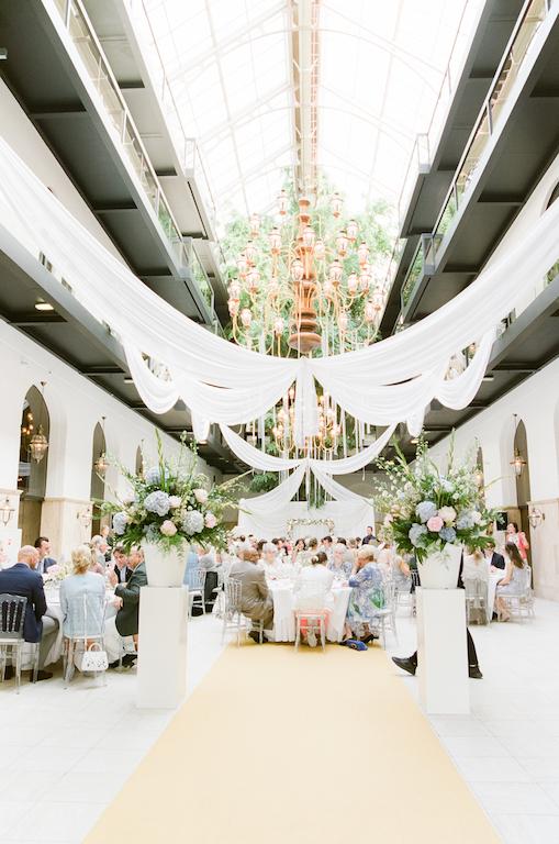 Romantic chic wedding in Hulstkampgebouw, Rotterdam
