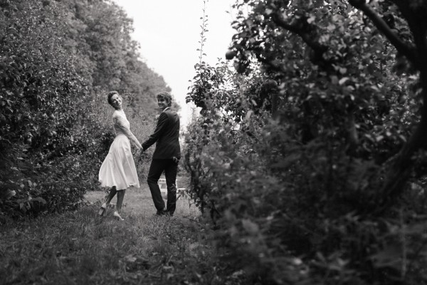 Bette Franke getting married at the orchard of the Olmenhorst