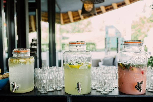 Summer wedding with delicious lemonades