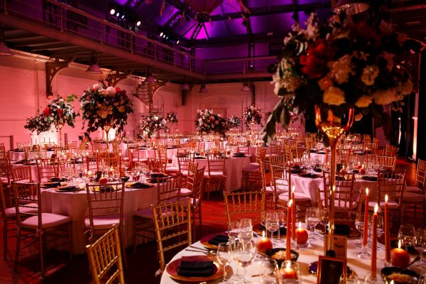 Beautiful centerpieces on your wedding dinner table