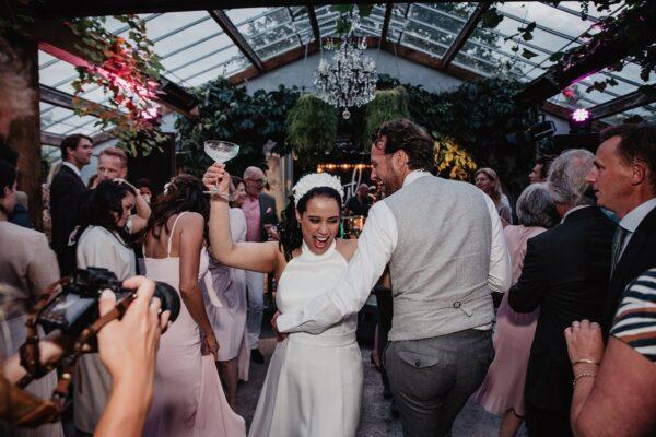 Romantisch chique buiten bruiloft met een Frans tintje